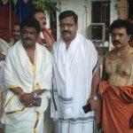 ಮಂತ್ರಾಲಯದಲ್ಲಿ 54ನೇ ಹುಟ್ಟುಹಬ್ಬ ಆಚರಿಸಿಕೊಂಡ ನಟ ಜಗ್ಗೇಶ್