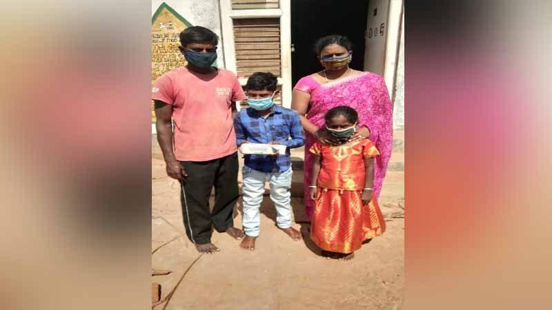 ಮಗನ ಔಷಧಿ ತರಲು ಬೆಂಗಳೂರಿಗೆ ಸೈಕಲ್ ನಲ್ಲಿ ಹೋಗಿ ಬಂದ ಅಪ್ಪ